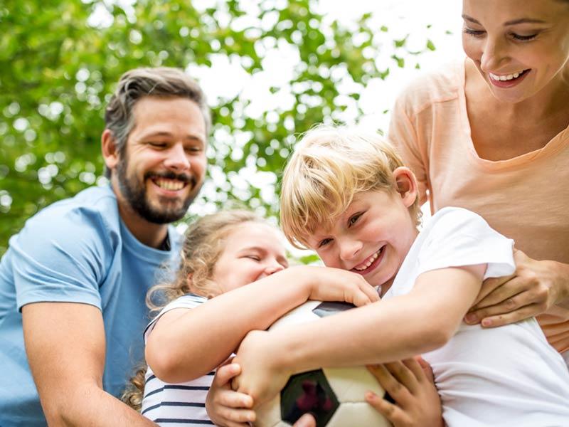 familia-perdida-auditiva-centro-optico-social